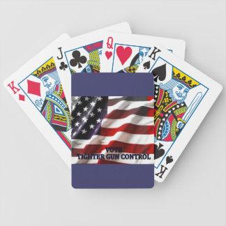 Un control de armas más apretado cartas de juego