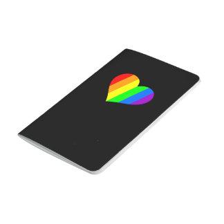 Un corazón en colores del arco iris cuadernos grapados