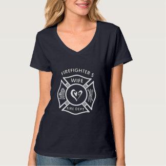 Un corazón maltés de la esposa de los bomberos remera