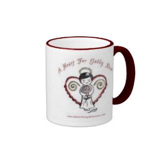 Un corazón para color de rosa locuaz taza de café