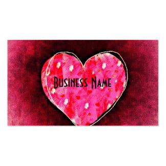 Un corazón rosado dibujado mano linda en una tarjetas de visita
