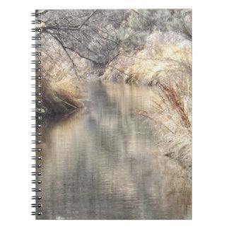 Un cuaderno tranquilo del ajuste