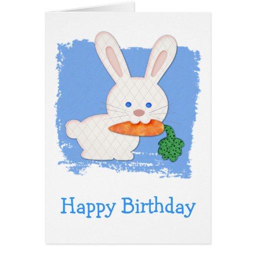 Un cumpleaños blanco acolchado zanahoria del conej tarjetón