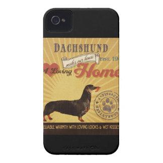 Un Dachshund cariñoso hace nuestro hogar de la cas iPhone 4 Case-Mate Protectores