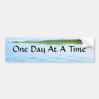 Un día a la vez etiqueta de parachoque
