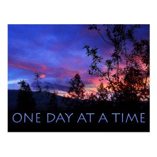 Un día a la vez salta salida del sol tarjetas postales