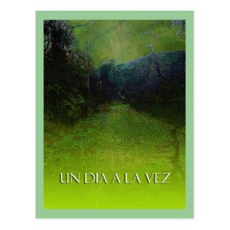 UN DIA A LA VEZ (Verde) Postcard