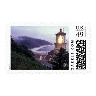 Un día de niebla en la costa de Oregon en el Sello Postal