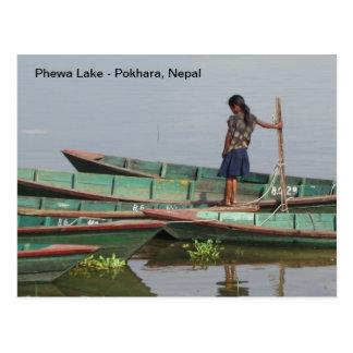 Un día de verano en el lago Phewa Postal