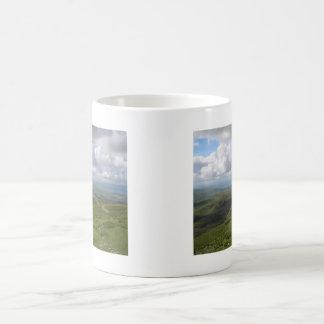 Un día en la colección de los valles de Yorkshire Taza Básica Blanca