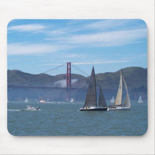 Un día hermoso en San Francisco Bay Tapetes De Raton