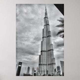 Un día lluvioso en Burj Khalifa Póster
