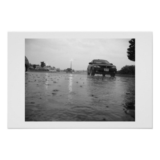 Un día lluvioso en un estacionamiento posters