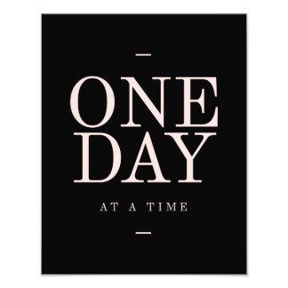 Un día - metas rosadas negras inspiradoras de las impresiones fotograficas