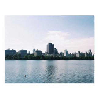 Un día por el lago tarjetas postales