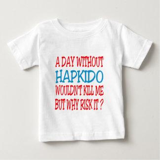 Un día sin Hapkido. Playera Para Bebé