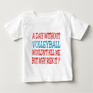 Un día sin voleibol no me mataría pero porqué camisas