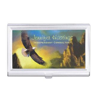 Un diseño patriótico con Eagle calvo que vuela Caja De Tarjetas De Presentación