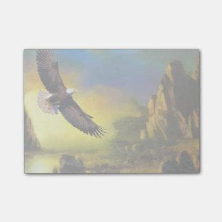 Un diseño patriótico con Eagle calvo que vuela Post-it Notas