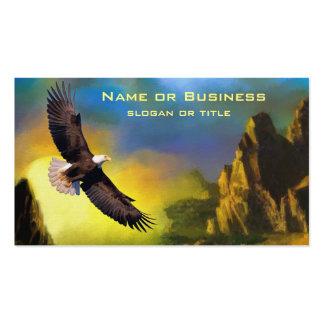 Un diseño patriótico con Eagle calvo que vuela Tarjetas De Visita