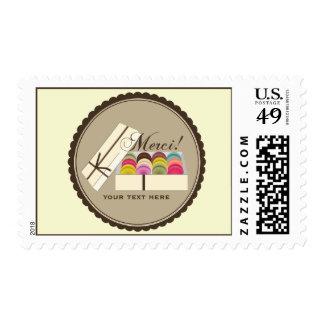 Un docena franceses Macarons en una caja de regalo Estampilla