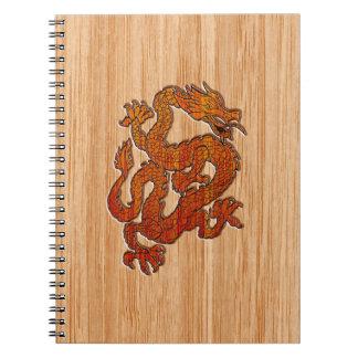 Un dragón en bambú note book