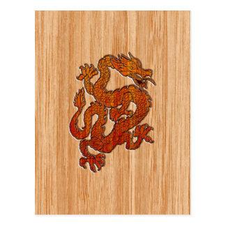 Un dragón en bambú oriental tarjetas postales