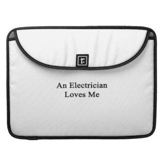 Un electricista me ama funda para macbooks