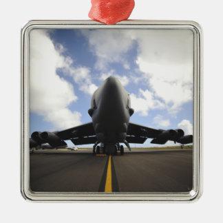 Un equipo de mantenimiento de la fuerza aérea de adorno navideño cuadrado de metal