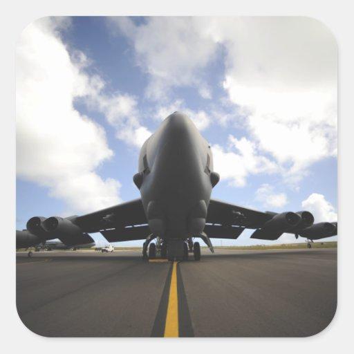 Un equipo de mantenimiento de la fuerza aérea de pegatina cuadrada