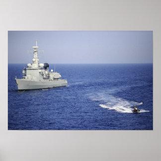 Un equipo portugués de la marina de guerra en un póster