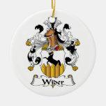 Un escudo más ancho de la familia ornamentos de reyes
