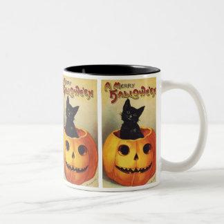 Un feliz Halloween, gato negro del vintage en Taza Dos Tonos