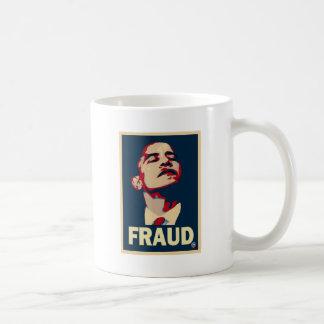 Un fraude de Obama Tazas