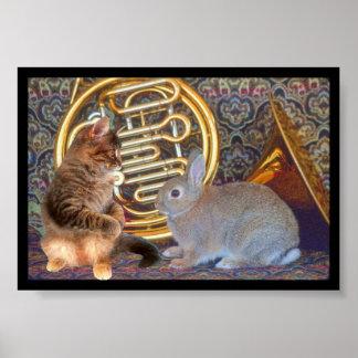 Un gatito, un conejito y una trompa póster