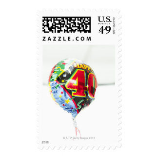un globo brillante del helio del mensaje del franqueo