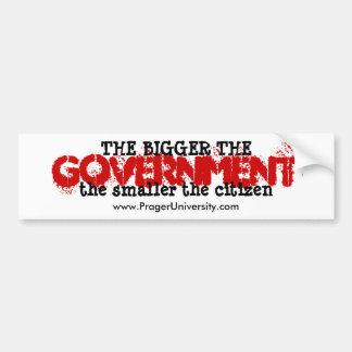 Un gobierno más grande, un ciudadano más pequeño pegatina para auto