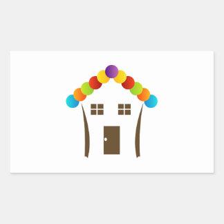 Un gráfico de la casa con un tejado colorido pegatina rectangular