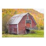 Un granero en las montañas verdes de Vermont. Hanc Arte Fotografico