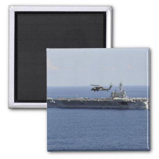 Un helicóptero de MH-60S Seahawk Imán