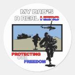 Un héroe real - militar etiquetas redondas