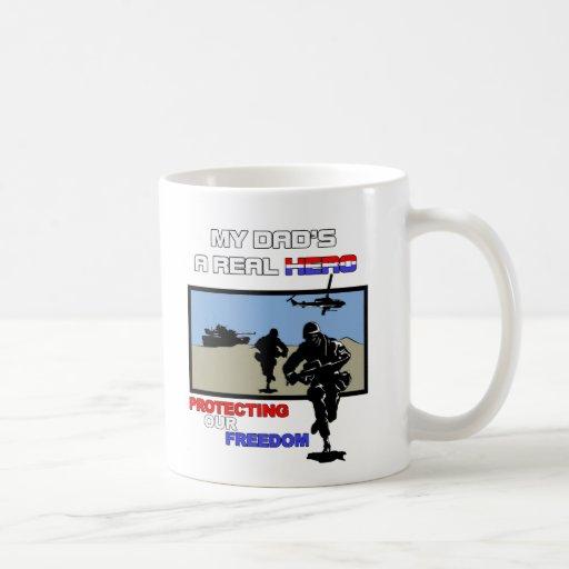 Un héroe real - militar taza