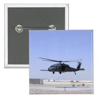 Un HH-60G pavimenta el halcón que saca del campo Pin Cuadrado