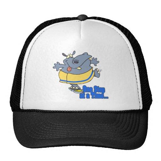 un hipopótamo de dieta divertido del paso a la vez gorras