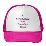 Un hombre norcoreano posee mi corazón gorra