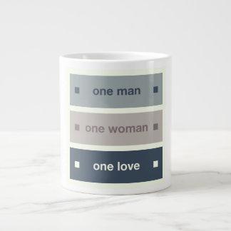 Un hombre, una mujer, un amor taza de café gigante