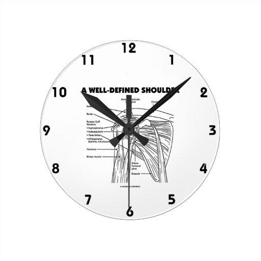 Un hombro bien definido (humor anatómico) reloj redondo mediano
