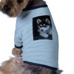 Un husky siberiano hermoso 2 del ojo azul camiseta de perrito