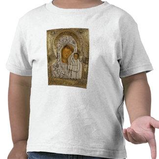 Un icono que muestra a la Virgen de Kazán Camisetas