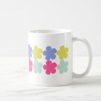 Un jardín taza básica blanca
